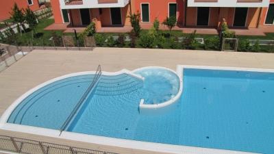 Residence i gelsomini a cavallino venezia piscina appartamenti a cavallino appartamenti - Costo manutenzione piscina ...